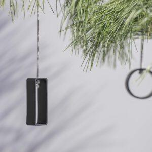 DSC02554 1 300x300 - NIMA – Moderner Christbaumschmuck aus Metall in natural grey