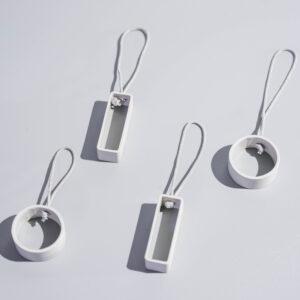 DSC02644 2 300x300 - NIMA – Moderner Christbaumschmuck aus Metall in natural grey