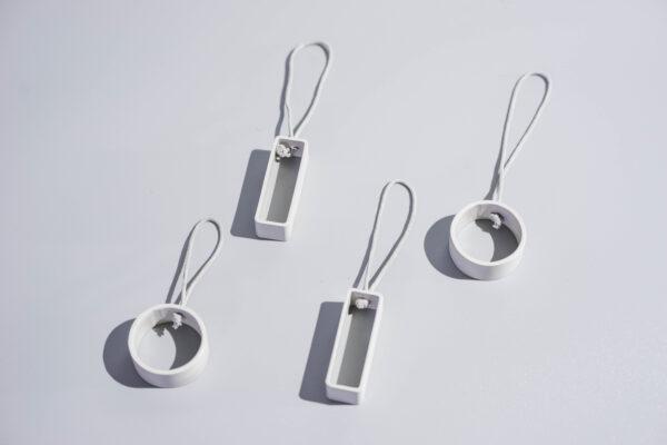 DSC02644 2 scaled - NIMA – Moderner Christbaumschmuck aus Metall in natural grey