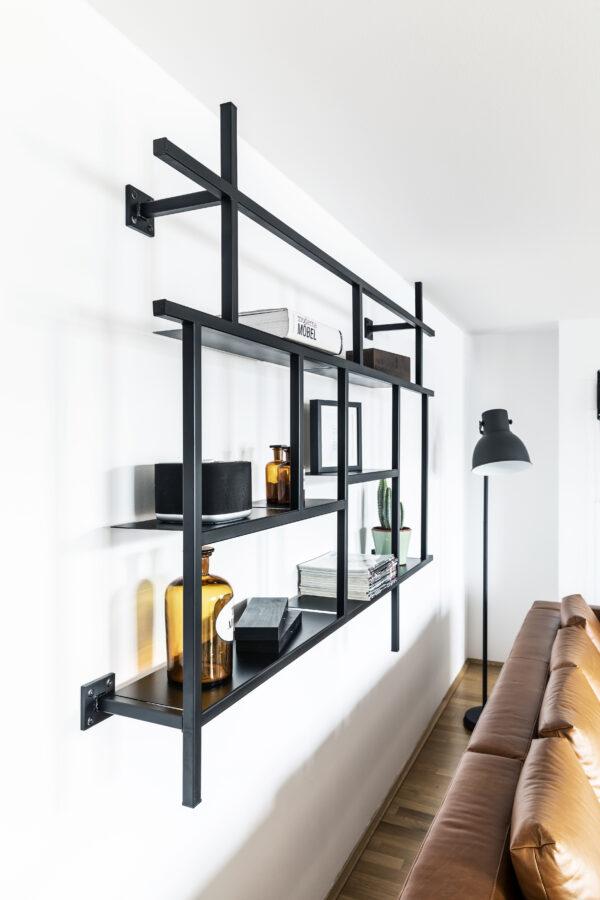 180057 Studio Agrippa Fotografie Referenz 3 Kopie 600x900 - KOBO minimalistisches Metallregal schwarz matt