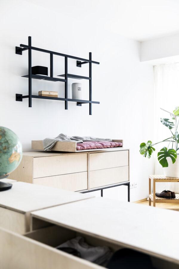 KOBO_minimalistisches_Metallregal_schwarz_mittelgroß_1