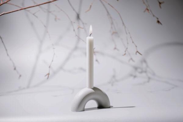 3FC75767 C4B7 4C5B BC1D A640C884BE82 - MEDI minimalistischer Kerzenständer aus Metall grau