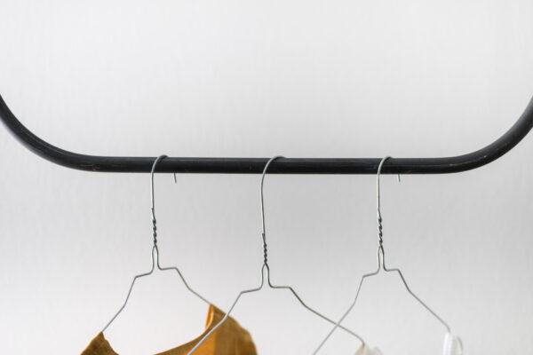Monoista Kleiderstange HANG webversion 3 - Kleiderstange HANG