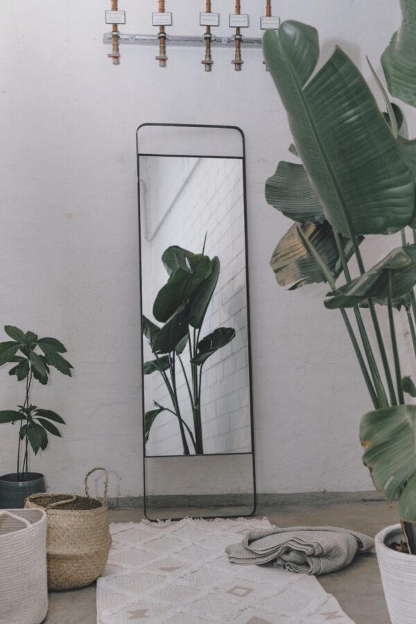 Monoista shop Spiegel 1 - Spiegel mit Metallrahmen